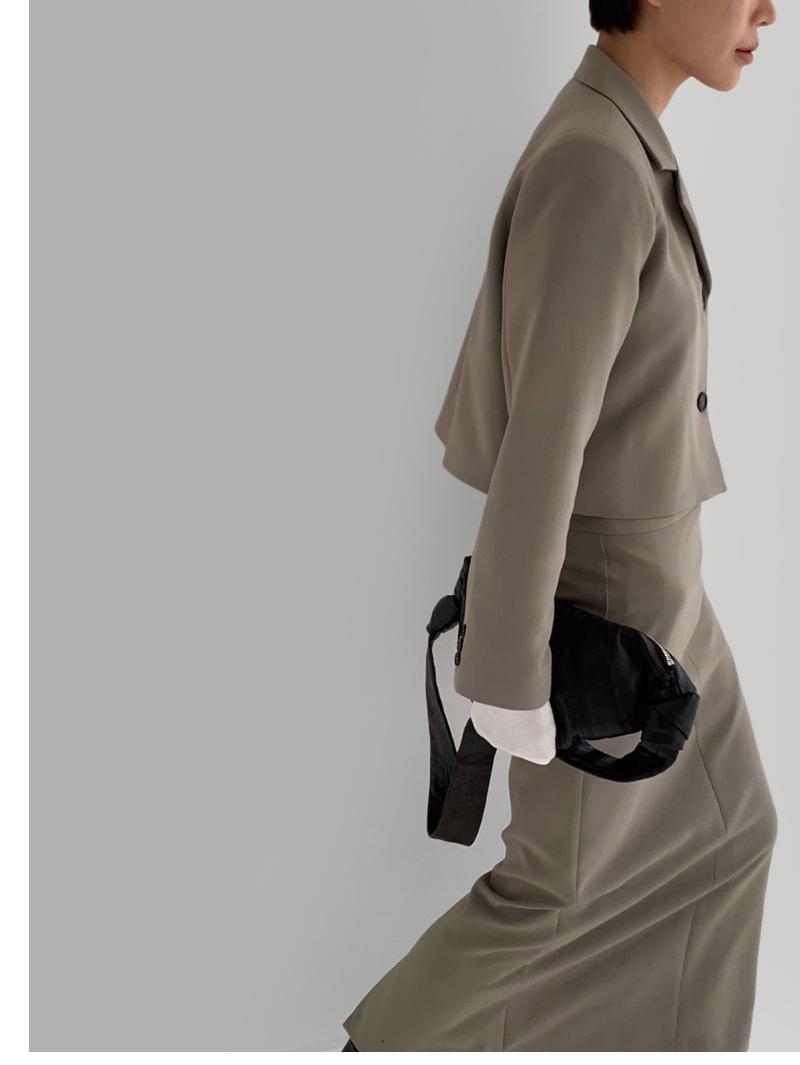 코트 모델 착용 이미지-S3L5