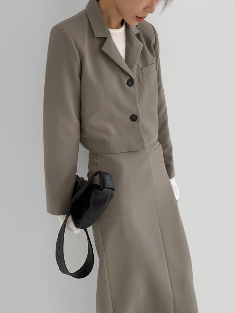 코트 모델 착용 이미지-S3L4