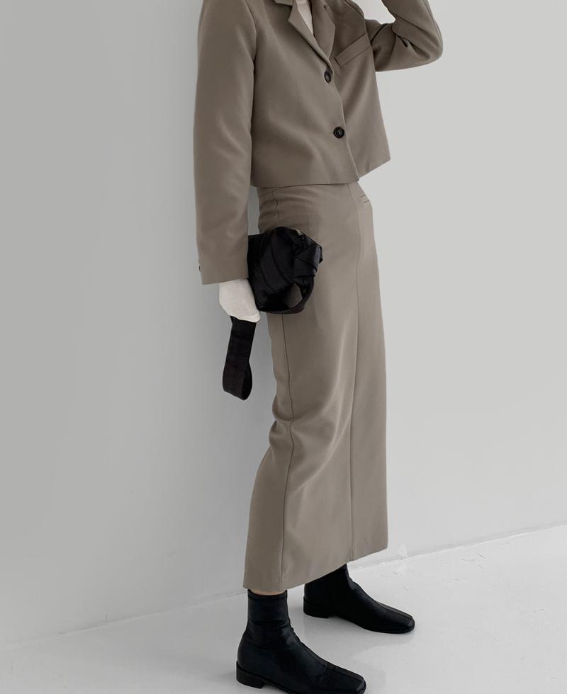 코트 모델 착용 이미지-S3L7